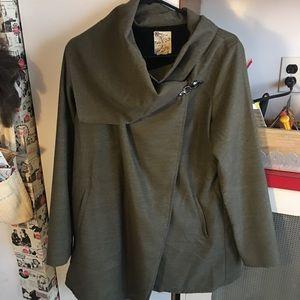 Military green drape jacket 🧥❤️